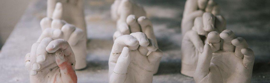 hand casting sculptures